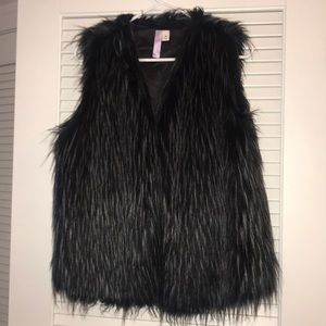 Francesca's Feather Vest